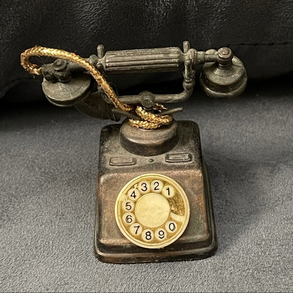 Mini Durham Industries die cast rotary phone